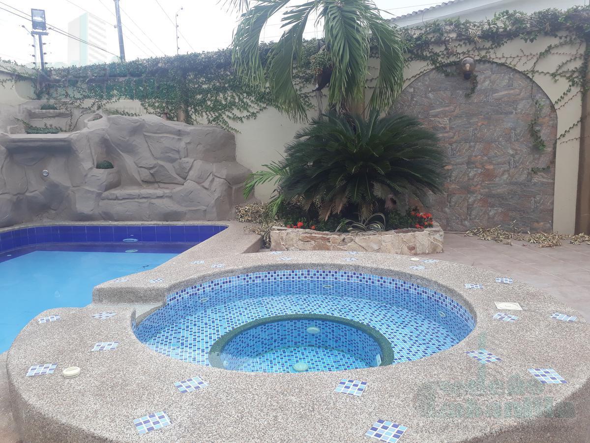 Foto Casa en Venta en  Samborondón,  Guayaquil   VENTA DE CASA URBANIZACION MATICES FRENTE AL CC EL DORADO