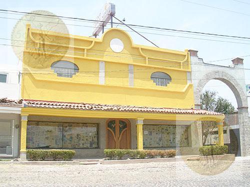 Foto Edificio Comercial en Venta en  Tequisquiapan ,  Querétaro  Propiedad con magnífica ubicación y distribución