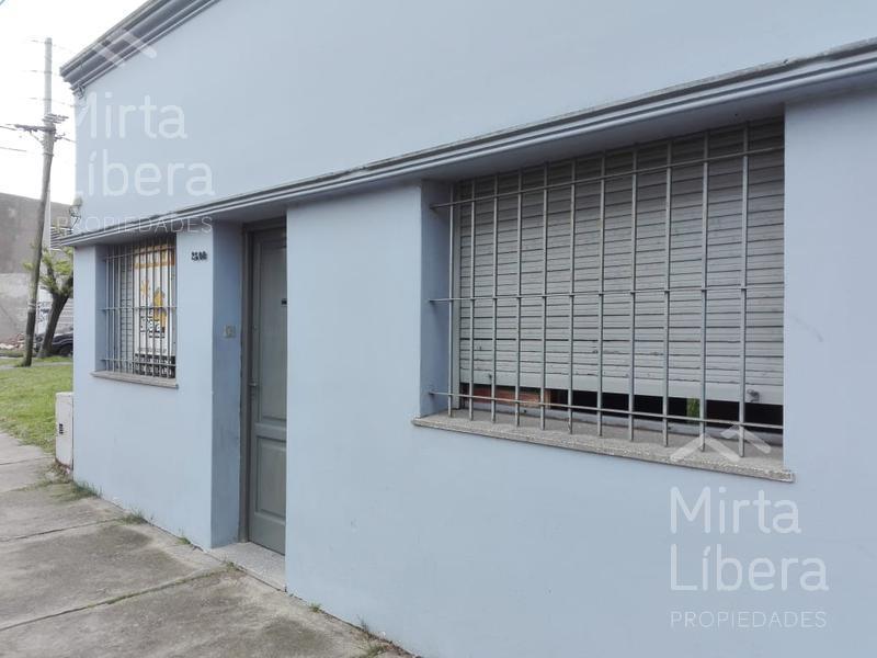 Foto Casa en Alquiler en  La Plata ,  G.B.A. Zona Sur          Calle 13 entre 79 y 80