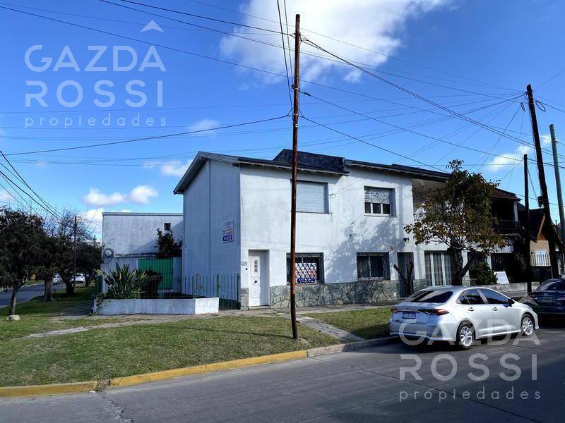 Foto Casa en Venta en  Llavallol,  Lomas De Zamora  machado de asis al 300