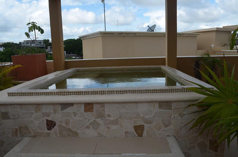 Playa del Carmen Centro Apartment for Sale scene image 13