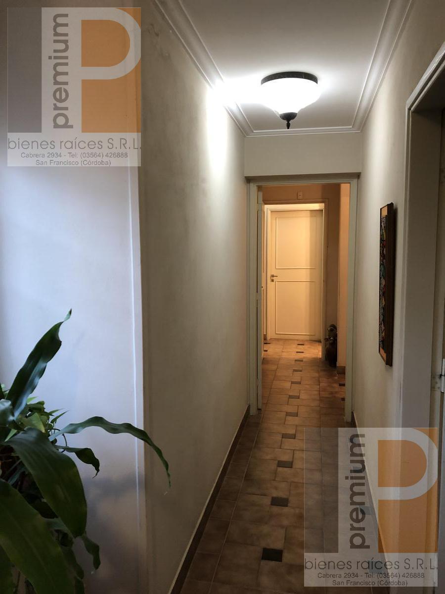 Foto Casa en Venta en  Roca,  San Francisco  Bv. Buenos Aires 1150/56/62