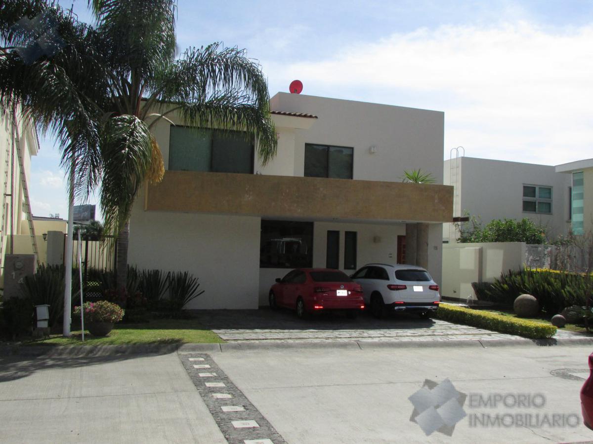 Foto Casa en Venta en  Lago Nogal,  Tlajomulco de Zúñiga  Casa Venta Fracc. Lago Nogal $7,890,000 A386 E2