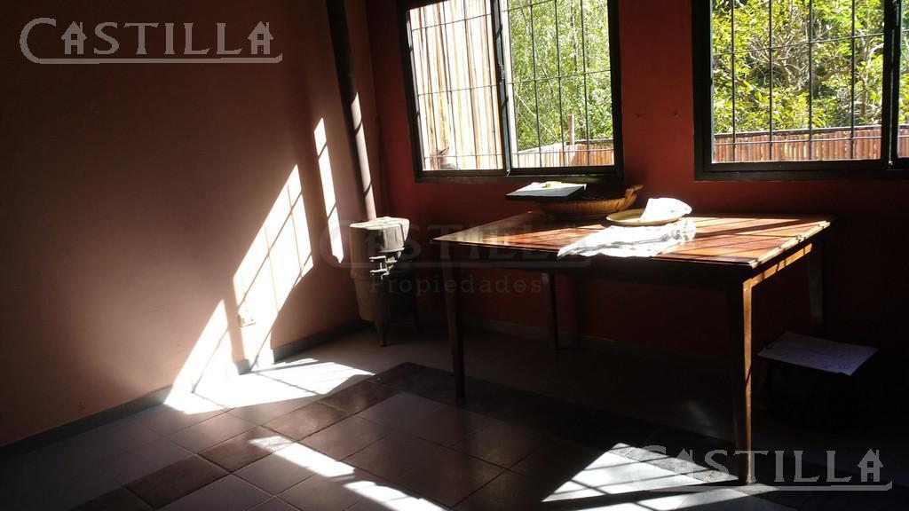 Foto Casa en Venta en  Sarmiento,  Zona Delta Tigre  Rio Sarmiento al 400 Muelle Villa Graciela,