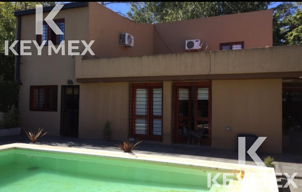 Foto Casa en Venta en  Manuel B Gonnet,  La Plata  Casa 481 entre 19 bis y 20