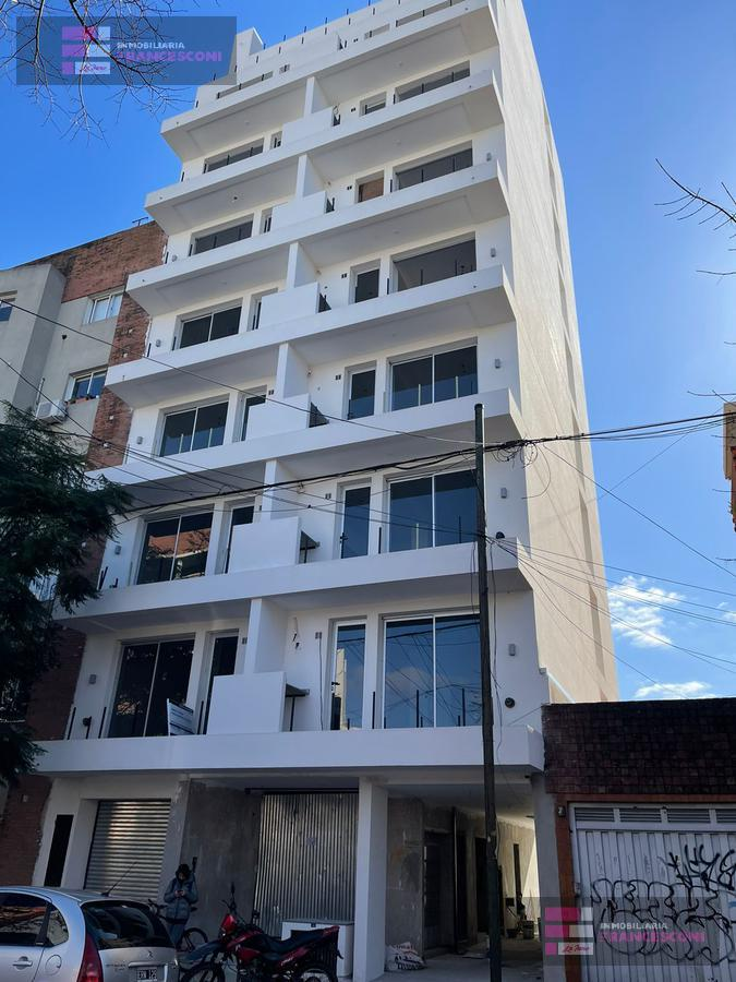 Foto Departamento en Venta en  La Plata,  La Plata  40 6 y 7