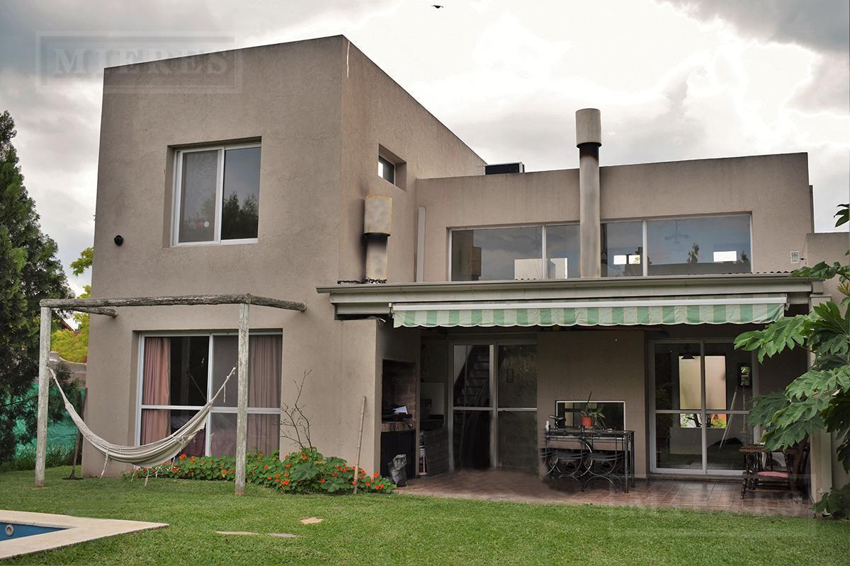 MIERES Propiedades- Casa de 260 mts en El Mirasol