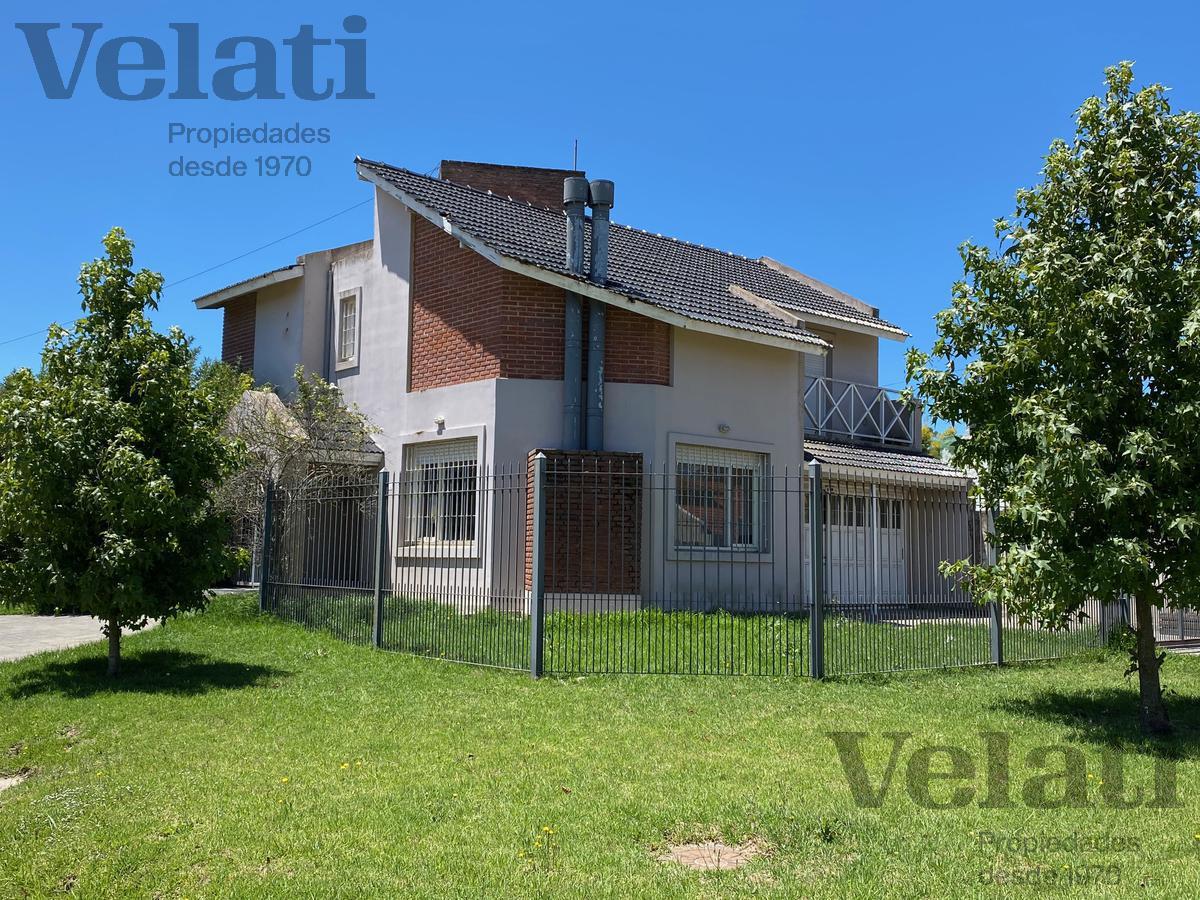 Foto Casa en Venta en  B.Los Pinares,  Mar Del Plata  Gorriti esquina Gomara