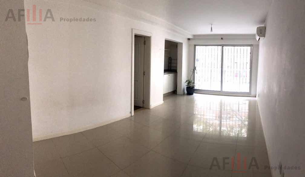 Foto Apartamento en Venta en  Centro (Montevideo),  Montevideo  Canelones 883-203