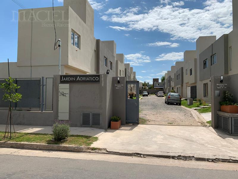 Foto Casa en Venta |  en  Valle Escondido,  Cordoba Capital  Casa - Housing zona Norte 3 dorm, 2 bños, calef Ctral - con Renta de $ 19600