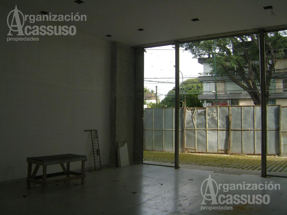 Foto Local en Alquiler en  Mart.-Libert./Rio,  Martinez  Avda. Libertador al 14100 Martínez