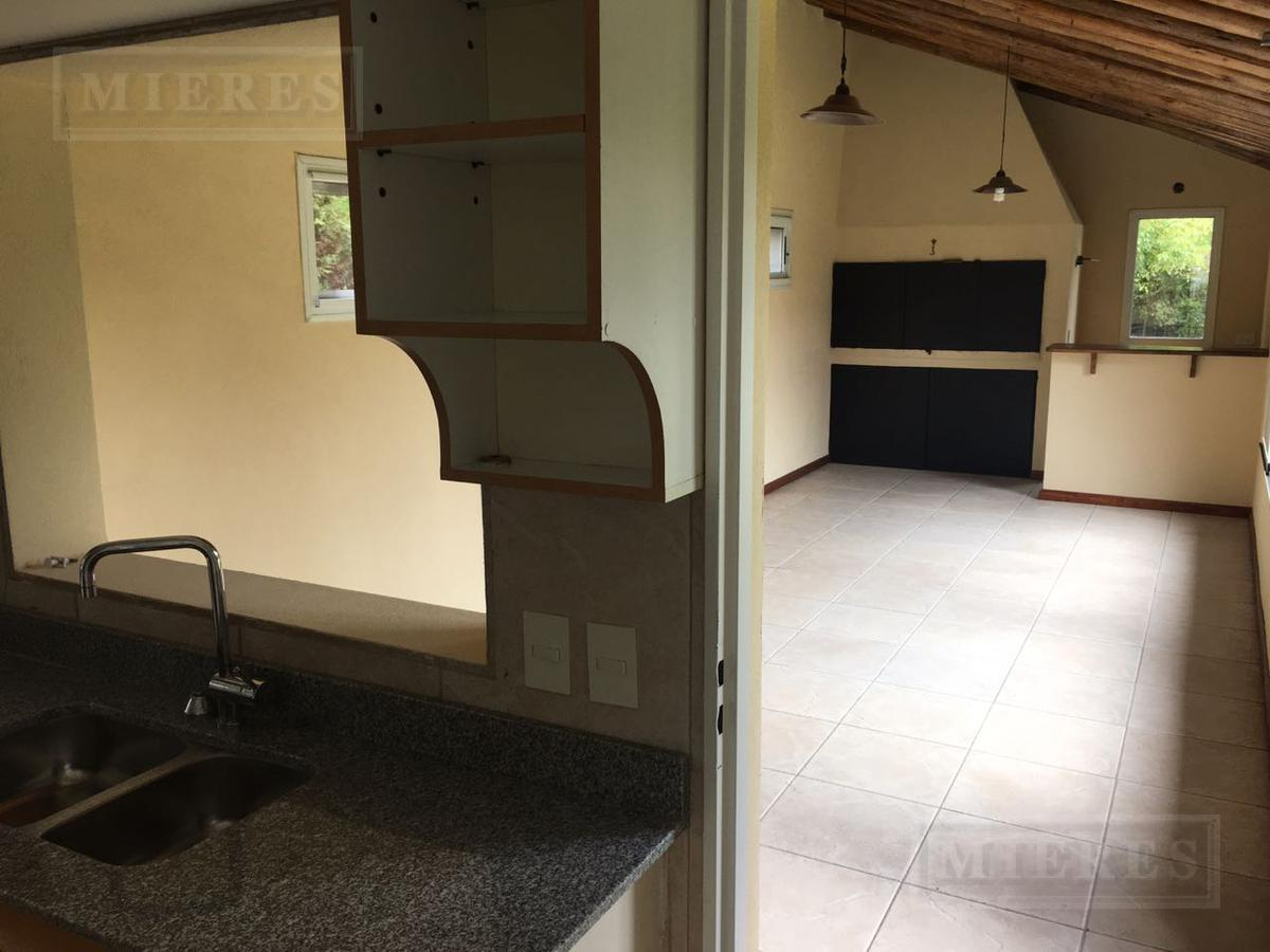 House - San Isidro Labrador