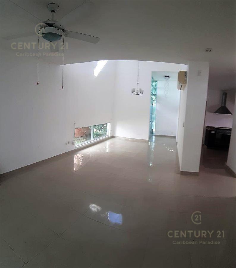 Fraccionamiento Playacar Fase II House for Sale scene image 4