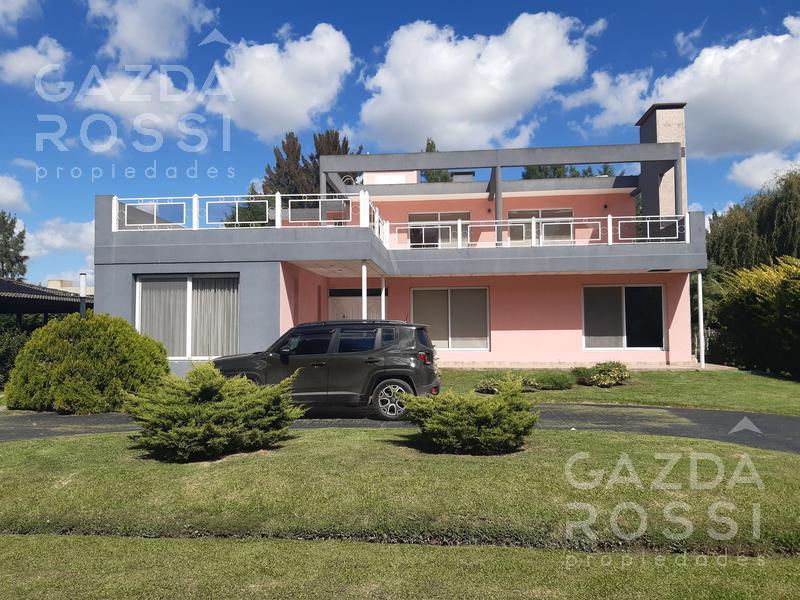 Foto Casa en Venta en  Malibu,  Countries/B.Cerrado (San Vicente)  Propiedad en dos plantas Barrio Malibu, Canning