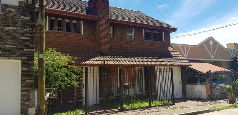 Foto Casa en Venta |  en  Banfield Oeste,  Banfield  Dr. Osvaldo Rodriguez 75