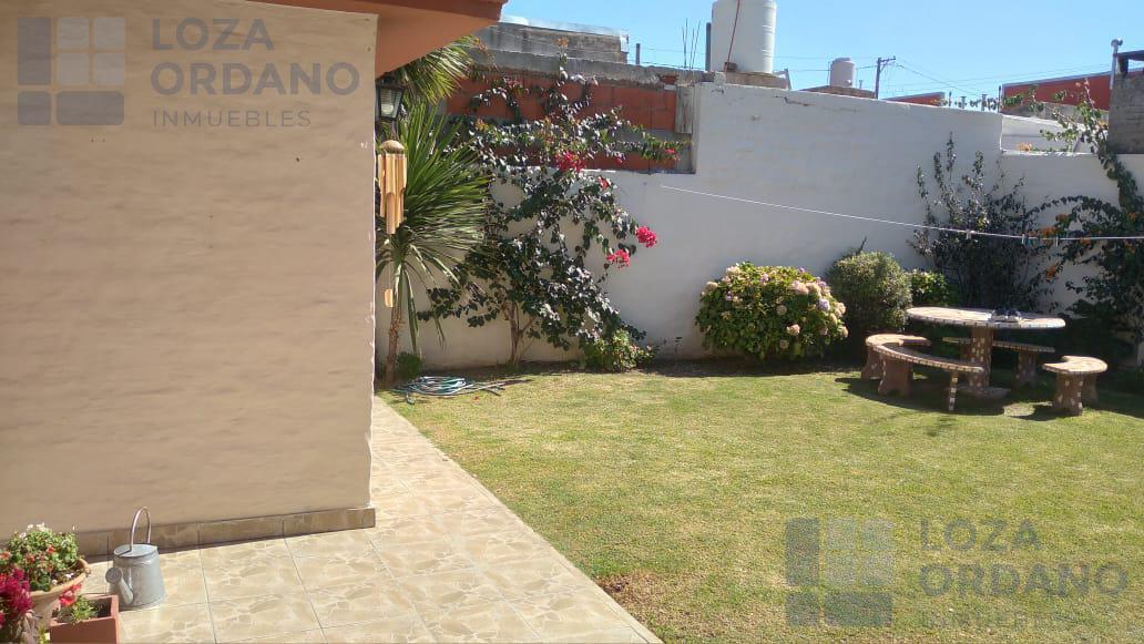 Foto Casa en Venta en  Res.San Roque,  Cordoba Capital  AVIADOR ZANNI 4376