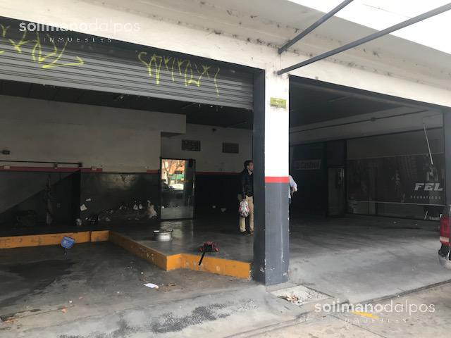 Foto Local en Alquiler en  La Lucila-Vias/Libert.,  La Lucila  Av del libertador