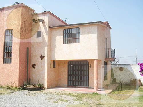 Foto Casa en Venta en  Fraccionamiento Montequis,  Ezequiel Montes  Amplia casa de campo