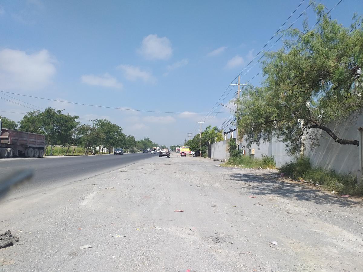 Foto Nave Industrial en Renta en  Jardines Del Canada,  Gral. Escobedo  Carretera Laredo