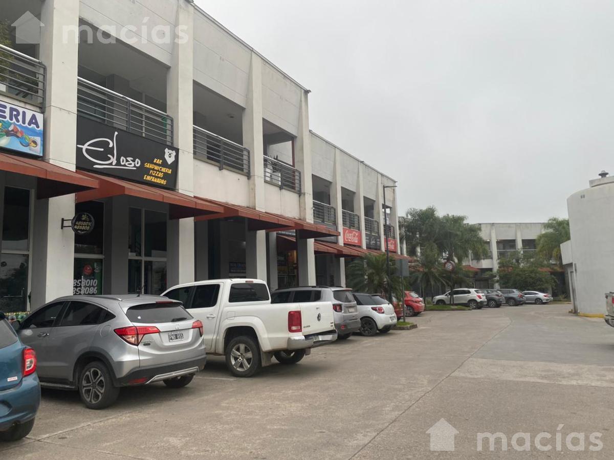 Foto Local en Venta en  Av. Peron ,  Yerba Buena  Avenida Peron al 1500