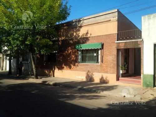 Foto Casa en Venta en  Carmelo ,  Colonia  Carmen entre Gral Flores y 25 de Mayo