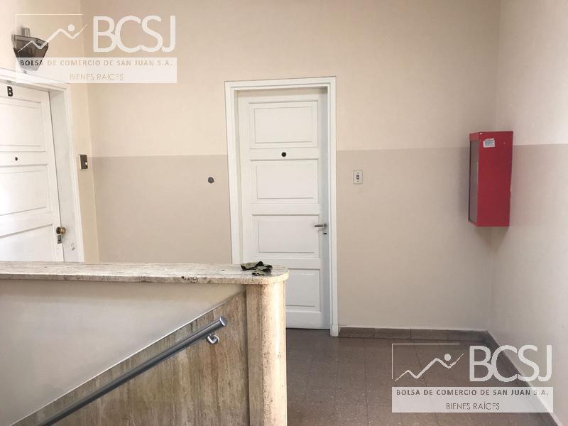 Foto Oficina en Venta en  Capital ,  San Juan  rivadavia al 300