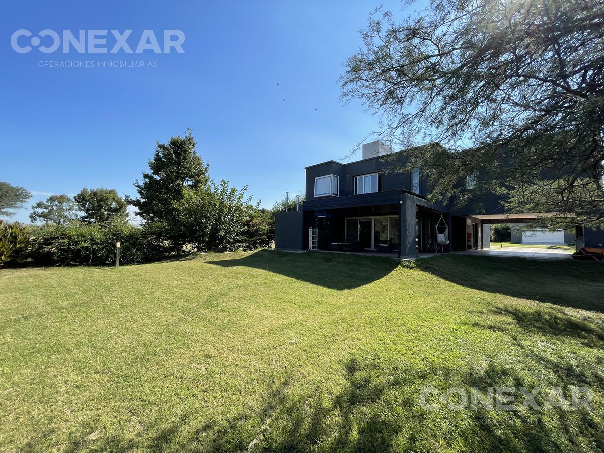 Foto Casa en Venta en  Valle del Golf,  Falda Del Carmen  Valle del Golf
