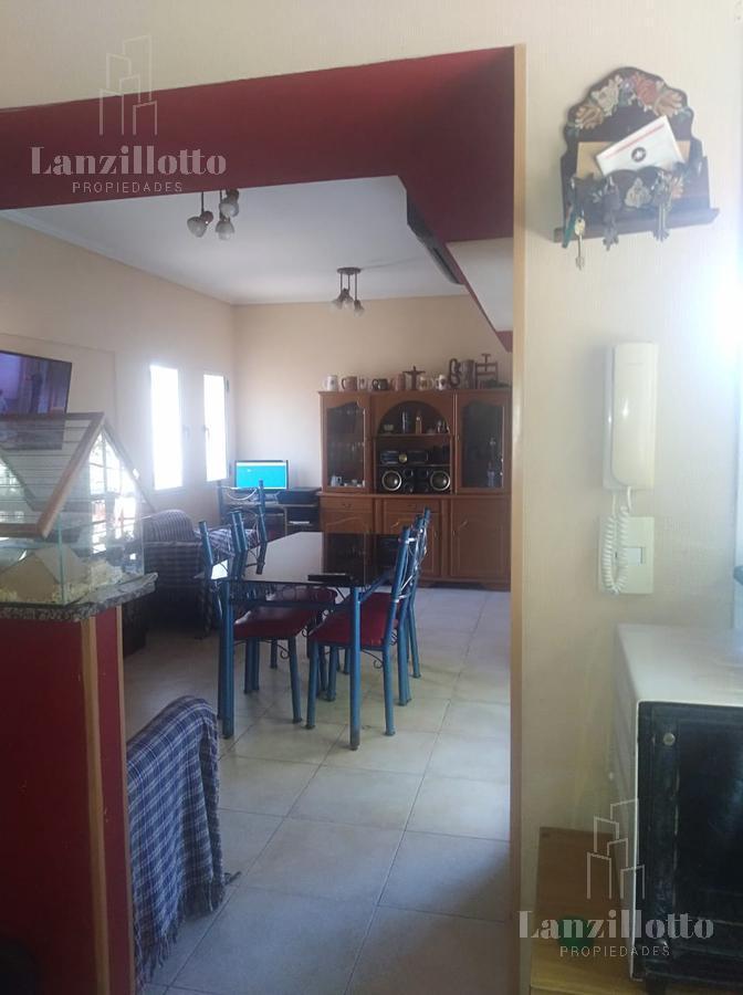 Foto Departamento en Venta en  Lanús Este,  Lanús  Ramon Cabrero al 1400