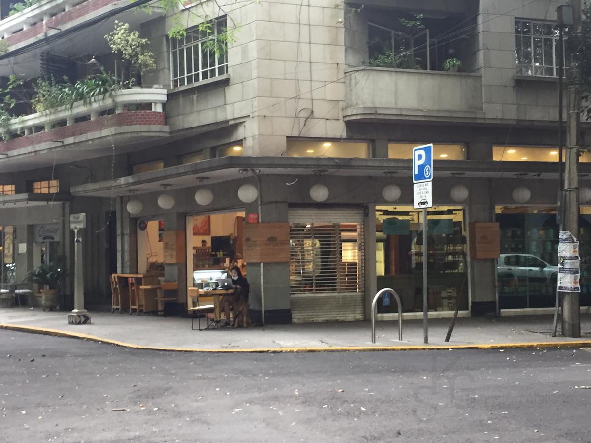 Foto Local en Renta en  Hipódromo Condesa,  Cuauhtémoc  SKG Asesores Inmobiliarios Rentan Local con amplio Uso de Suelo  en Plaza Popocatepetl en  Hipodromo Condesa