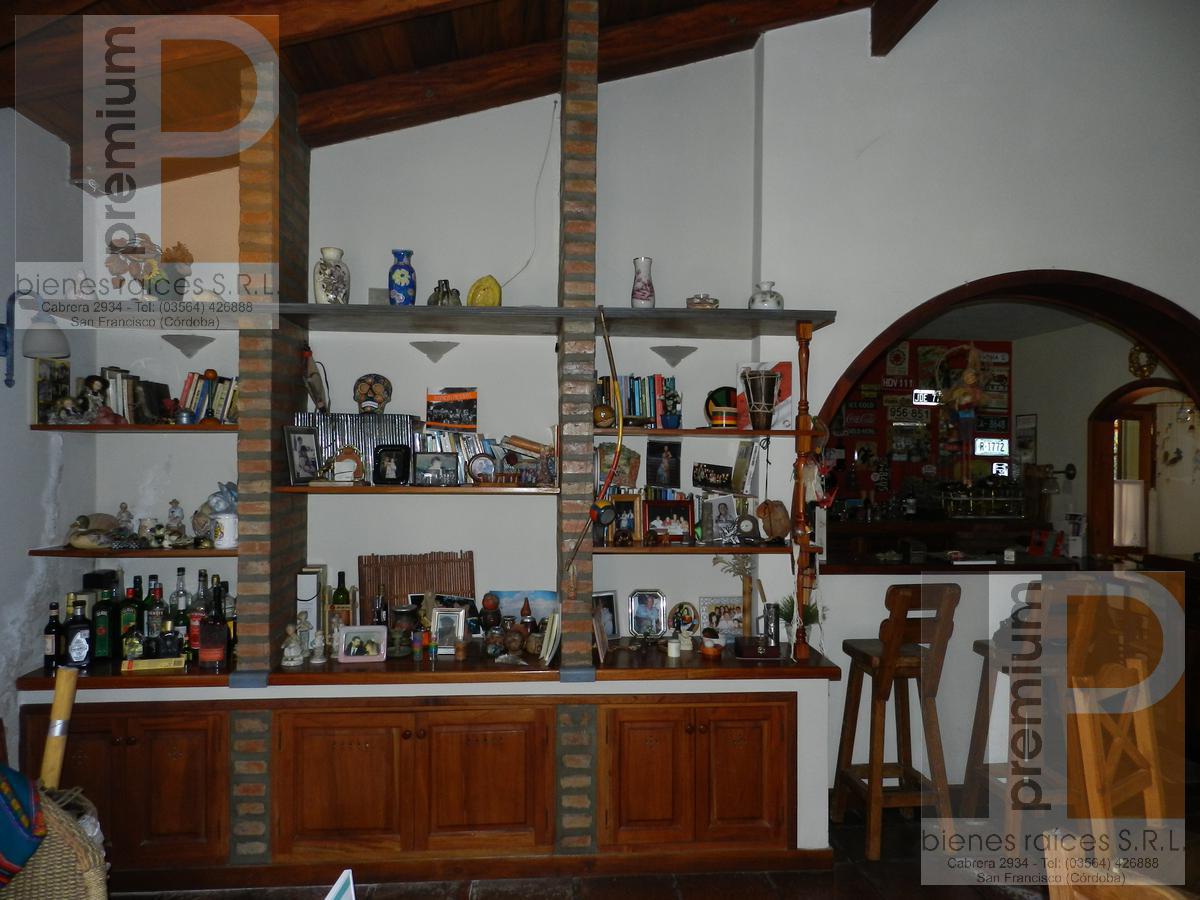 Foto Casa en Venta en  Las Rosas,  San Francisco  Juan José Paso al 4900