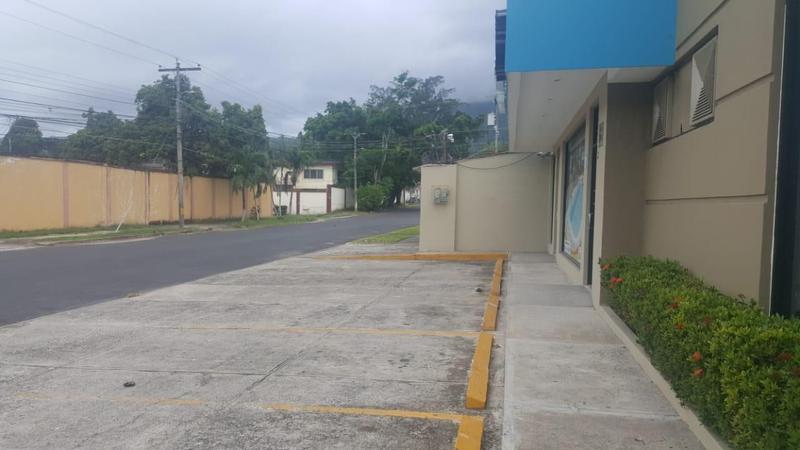 Foto Local en Renta en  Las Mesetas,  San Pedro Sula  Local en renta en Colonia Las Mesetas