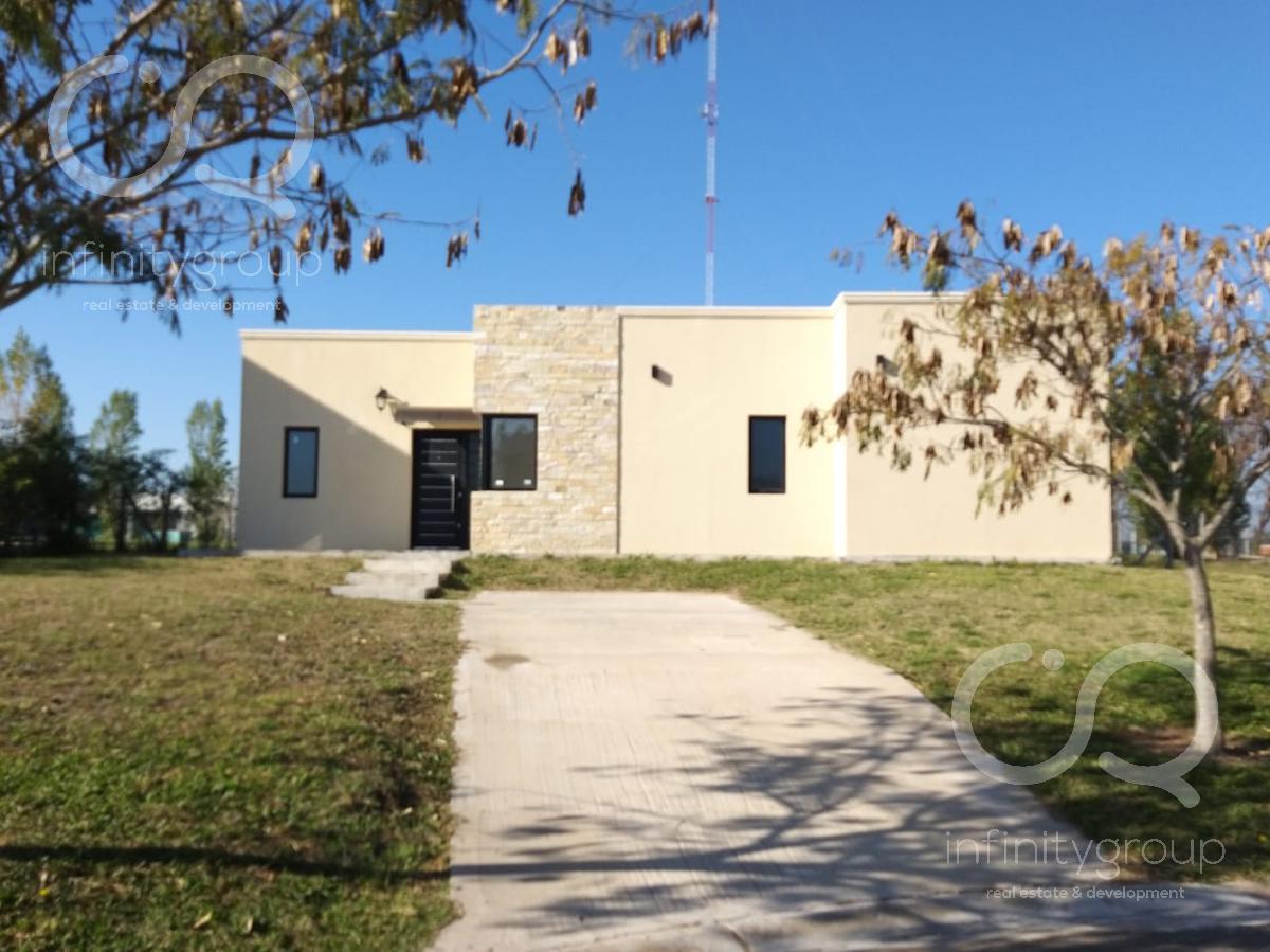Foto Casa en Venta en  Santa Guadalupe,  Pilar Del Este  Casa Santa Guadalupe lote al 300
