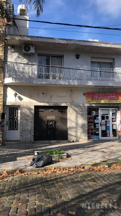 Foto Local en Alquiler en  Banfield,  Lomas De Zamora  Viamonte 1489