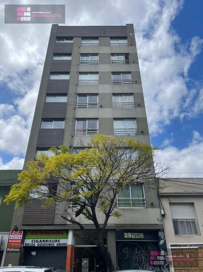 Foto Departamento en Venta en  La Plata ,  G.B.A. Zona Sur  Plaza Matheu entre Avenida 66 y Diagonal 73