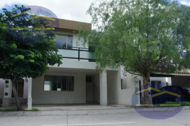 Casa Renta privada frente área verde El Mayorazgo Residencial León Gto