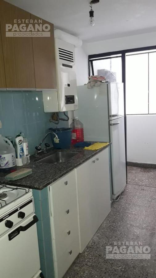 Foto Departamento en Alquiler en  La Plata,  La Plata  9 e 47 y 48