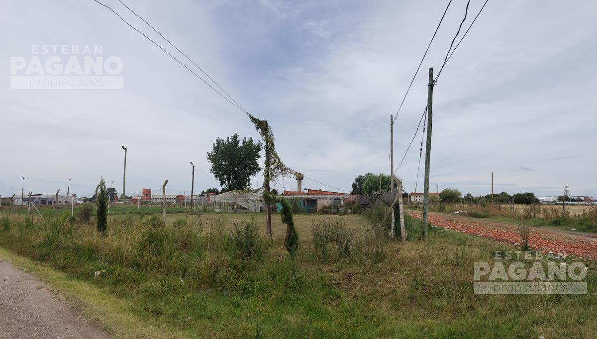 Foto Casa en Venta en  Lisandro Olmos Etcheverry,  La Plata  CASA • 46 e/ 192 y 193 • Lisandro Olmos