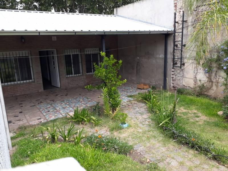 Foto Casa en Alquiler en  Rosario ,  Santa Fe  Sarmiento al 4300