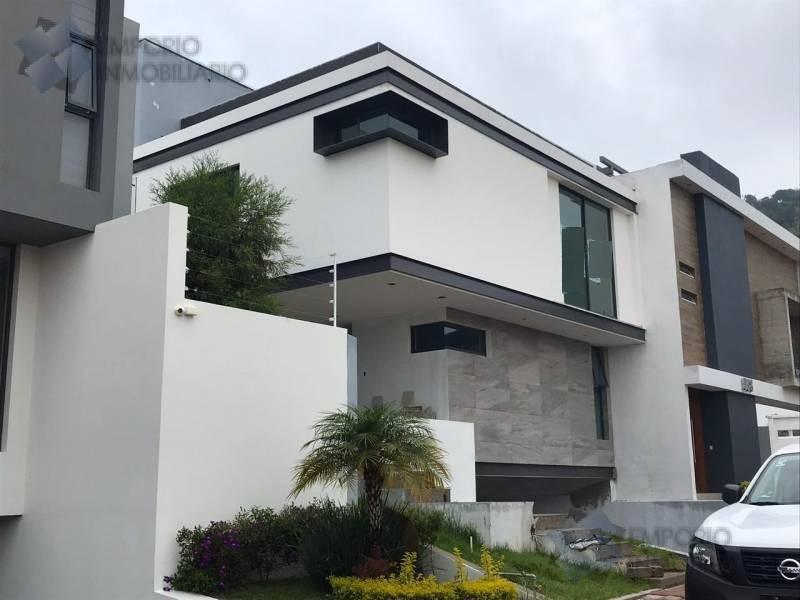 Foto Casa en Venta en  La Rioja,  Tlajomulco de Zúñiga  Residencia Venta Fracc. La Rioja $9,825,000 A257 E1