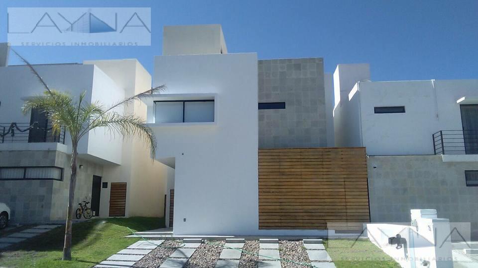 Foto Casa en condominio en Renta en  Querétaro ,  Querétaro  Cumbres del Lago