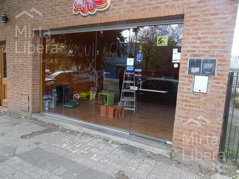 Foto Local en Alquiler en  La Plata ,  G.B.A. Zona Sur  Calle 7 entre 73 y 74