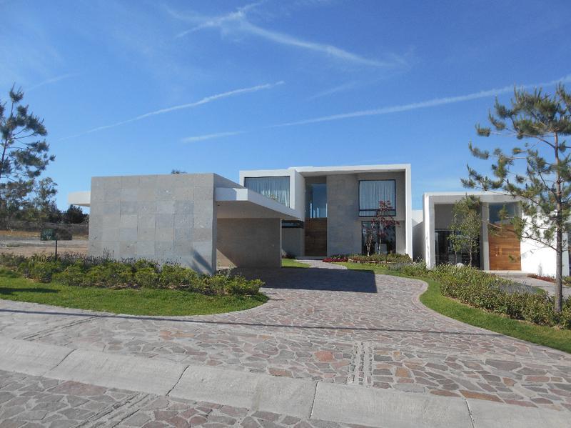Foto Casa en Venta en  Country Club Gran Jardín,  León  Hermosa Casa en El Bosque Country Club Pre venta Scala