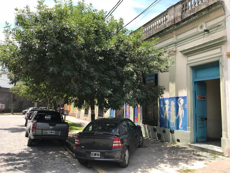Foto Casa en Venta en  Adrogue,  Almirante Brown  CERRETTI  31