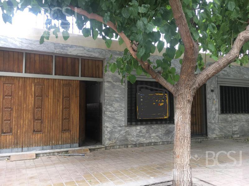 Foto Casa en Alquiler en  Capital ,  San Juan  Guemes entre Av. Cordoba y Sta. Fe
