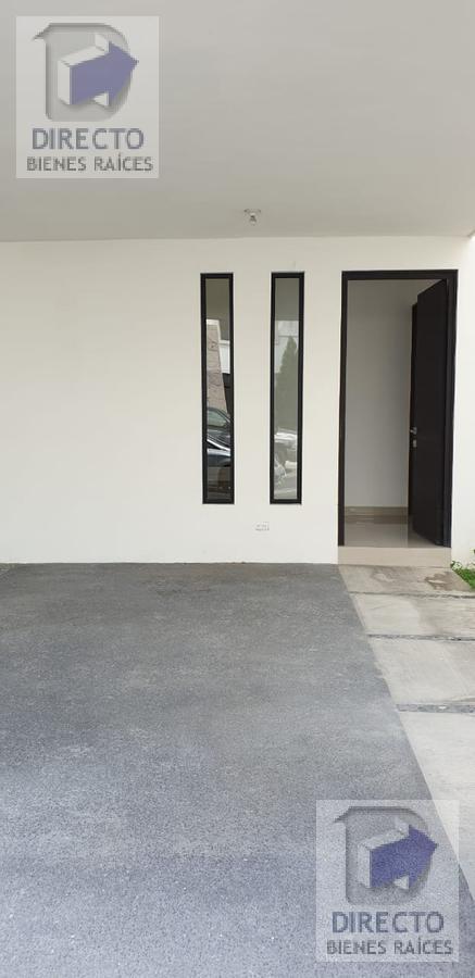 Foto Casa en condominio en Venta en  Rincón de las Huertas,  Santa Catarina  Hermosa Residencia en fraccionamiento privado.