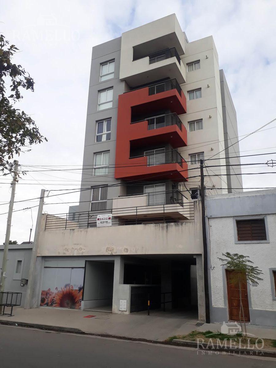 Foto Departamento en Venta en  Centro,  Rio Cuarto  Amplio Departamento 1 dormitorio Sobremonte (N) al 161 - Río Cuarto (Cba-Arg)