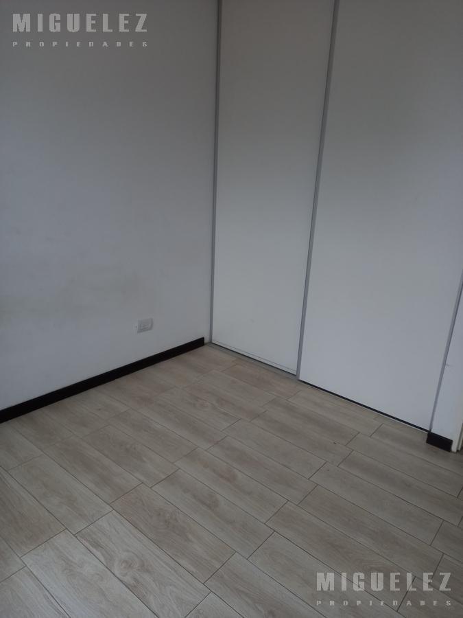 Foto Departamento en Venta en  Banfield,  Lomas De Zamora  venta Departamento Banfield, Belgrano 1776 PB