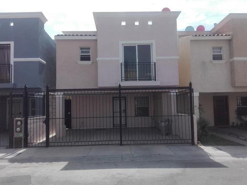 Foto Casa en Venta en  Fraccionamiento Hacienda Carlota,  Chihuahua  Casa Venta Fracc. Haciendas del Real $1,400,000 Malchav ECG1