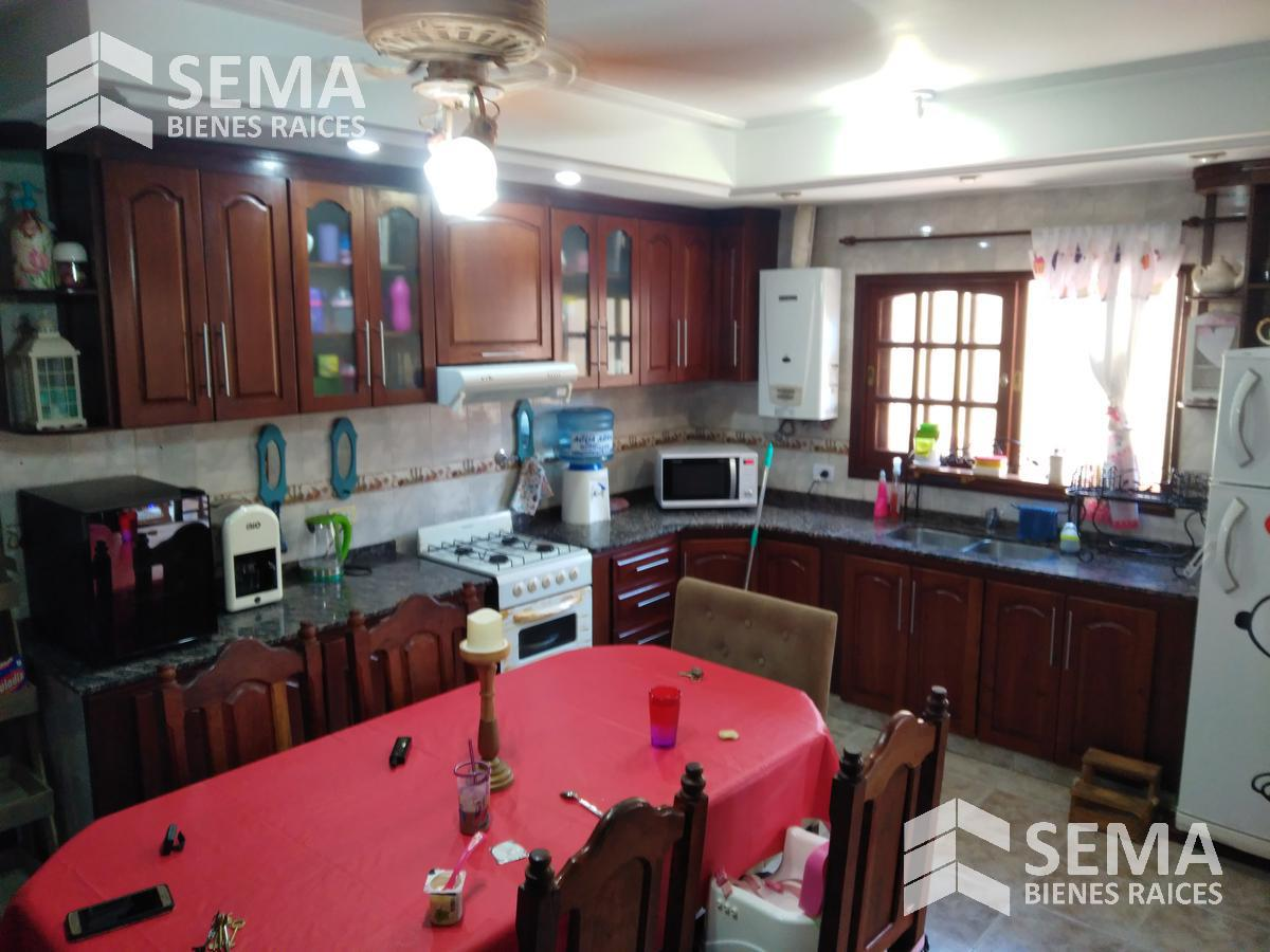 Foto Casa en Venta en  Capital ,  Tucumán  Alt. Av. Americas 2150
