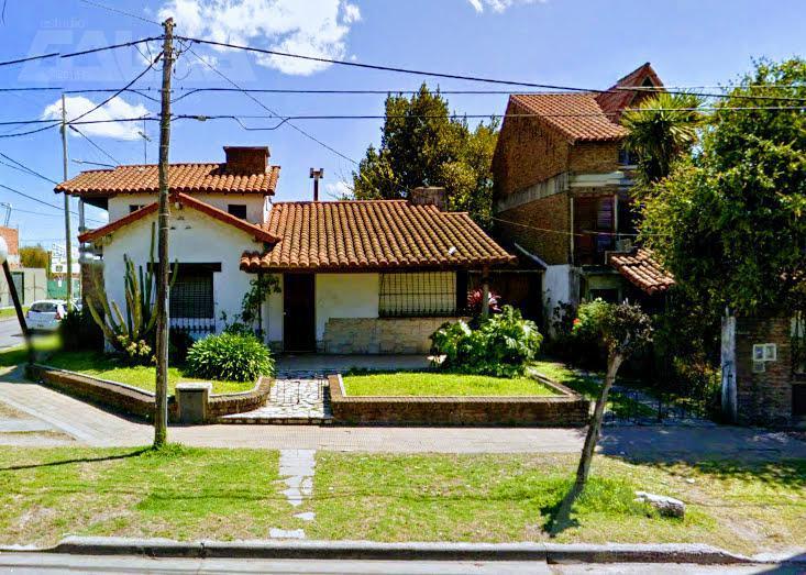 Foto Casa en Alquiler en  Ituzaingó Norte,  Ituzaingó  Santa Rosa al 1700